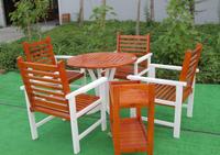 Mesa de jantar de madeira e mobiliário cadeira -